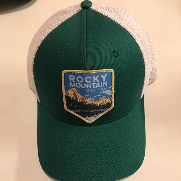727917333ec Columbia Other - Columbia Rocky Mountain Flexfit trucker hat